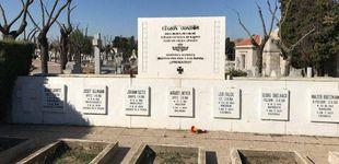 Post de Guernica: Madrid retira un vestigio nazi de la Legión Cóndor de La Almudena