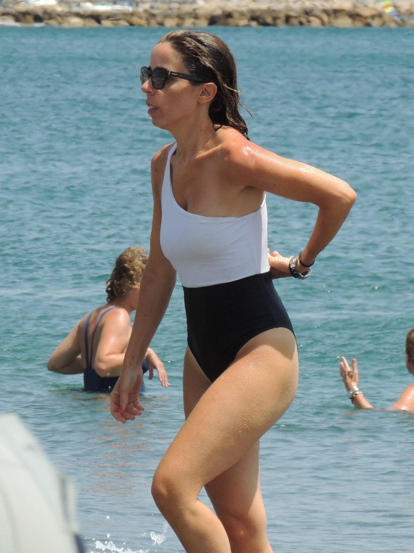 Ana Aznar, de vacaciones en Sotogrande. (Lagencia Grosby)