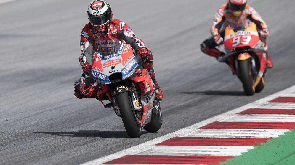 Foto: Jorge Lorenzo protagonizaron un duelo en Austria que acabó con victoria para el piloto de Ducati. (EFE)