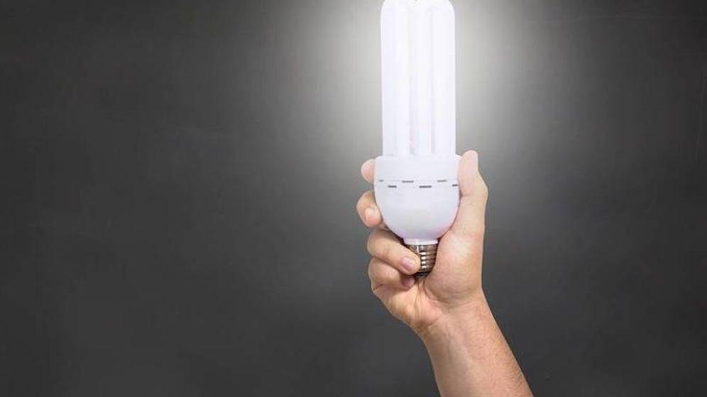 Foto: La factura de la luz es uno de los mayores quebraderos de cabeza de los gastos de los españoles. (Pixabay)