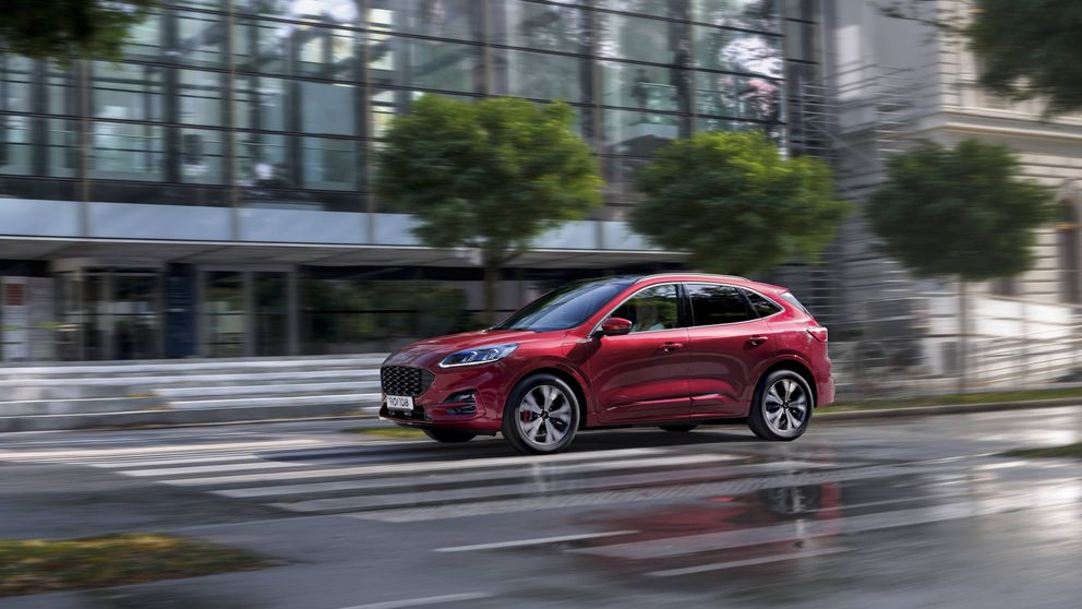 El coche que se mejora en eficiencia un 28%: qué hace tan bueno al nuevo Ford Kuga