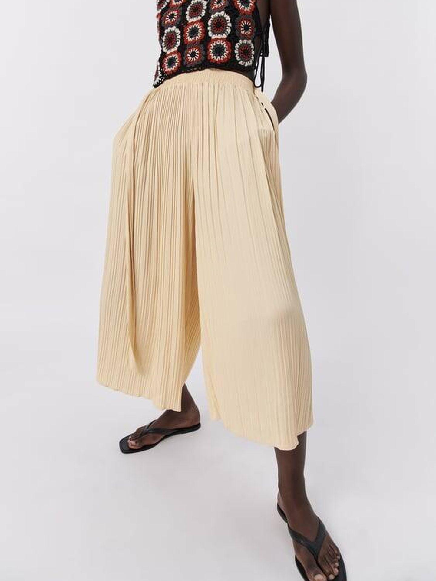 Pantalón rebajado de Zara. (Cortesía)
