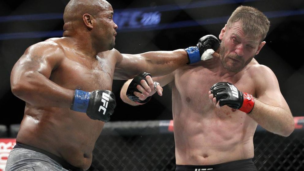 UFC 241: el brutal KO inesperado de Stipe Miocic a Daniel Cormier