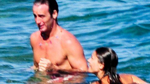 María José Suárez y Álvaro Muñoz Escassi preparan un viaje a un lugar paradisiaco