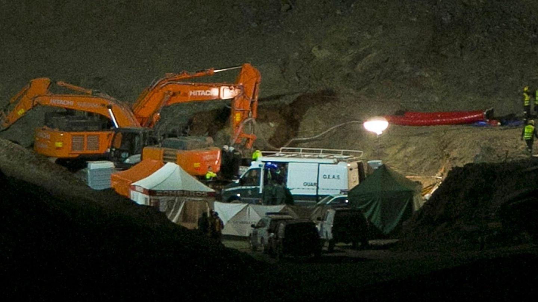 Labores de rescate en el pozo de Totalán.