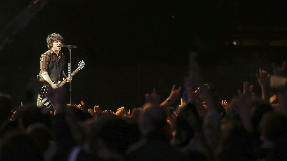 Foto: El cantante y guitarrista de la banda estadounidense Green Day, Billie Joe Armstrong, en el Mad Cool. (EFE)