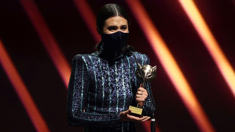 Loreto Mauleón recoge el premio por su papel en 'Patria'. (EFE)