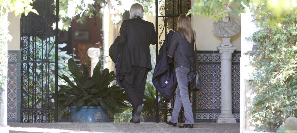 Conmoción en el Palacio de Las Dueñas: la familia al completo arropa a la duquesa