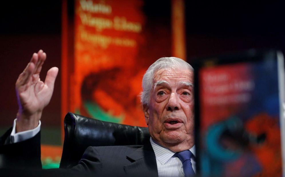 Foto: Mario Vargas Llosa, durante la presentación de 'Tiempos recios' en la Casa de América de Madrid. (EFE)