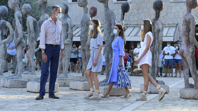 Los Reyes con sus hijas. (LP)