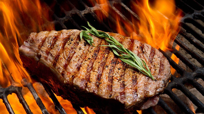 Foto: La carne es muy buena para compensar el alcohol que te metiste en el cuerpo. (iStock)