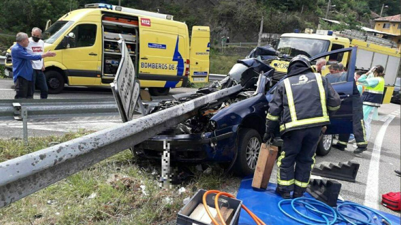 Muere un camionero de 57 años al volcar su vehículo en Asturias