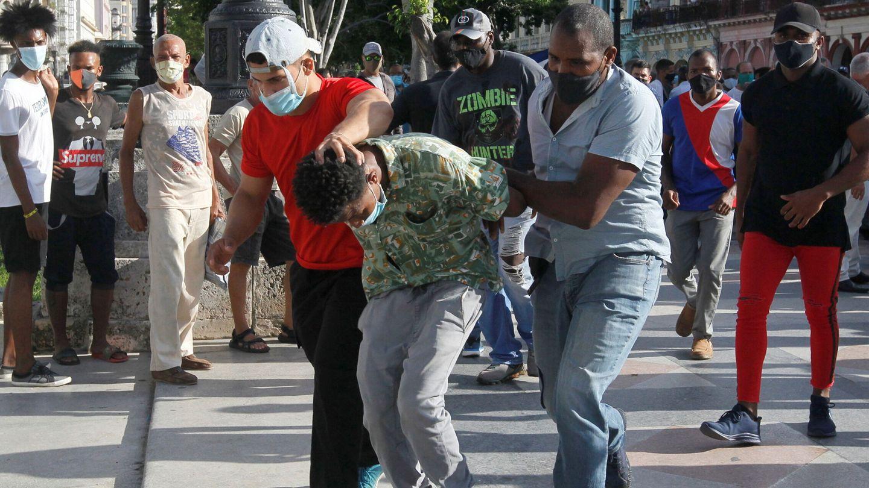 Detención en La Habana. (Reuters)