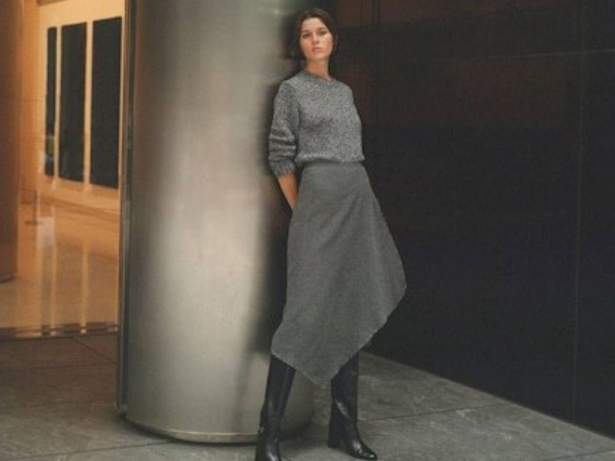 Foto: La falda gris de Massimo Dutti. (Cortesía)