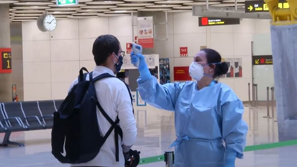 Sanidad no recomendó el control del virus en aeropuertos por costoso y menos efectivo