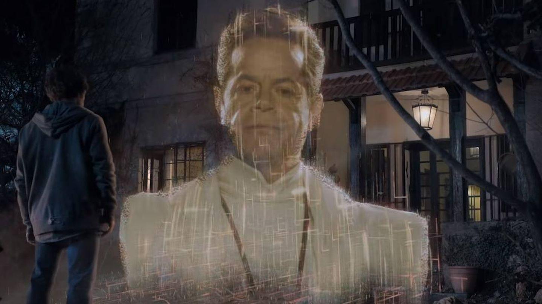 Jorge Sanz, a lo Marlon Brando en 'Superman', en 'El Vecino'. (Netflix)
