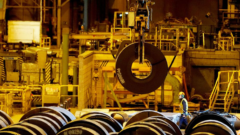 Foto: Un rollo de acero en una planta de ArcelorMittal en Sestao, España. (Reuters)