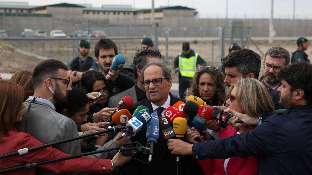 Foto: El presidente de la Generalitat, Quim Torra, atiende a los medios a las puertas de la prisión de Estremera. (Reuters)