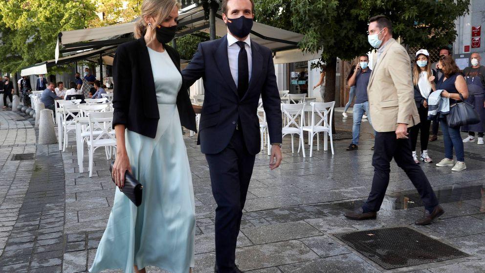 Isabel Torres (Pablo Casado) reaparece en el Teatro Real con un look de impresión