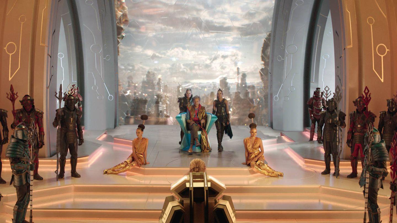 Jeff Goldblum y Tessa Thompson, en 'Thor: Ragnarok'. (Disney)