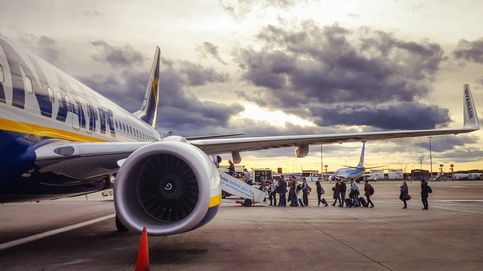 Ryanair deja de cobrar 4.000 euros a los aspirantes a azafatos por falta de candidatos