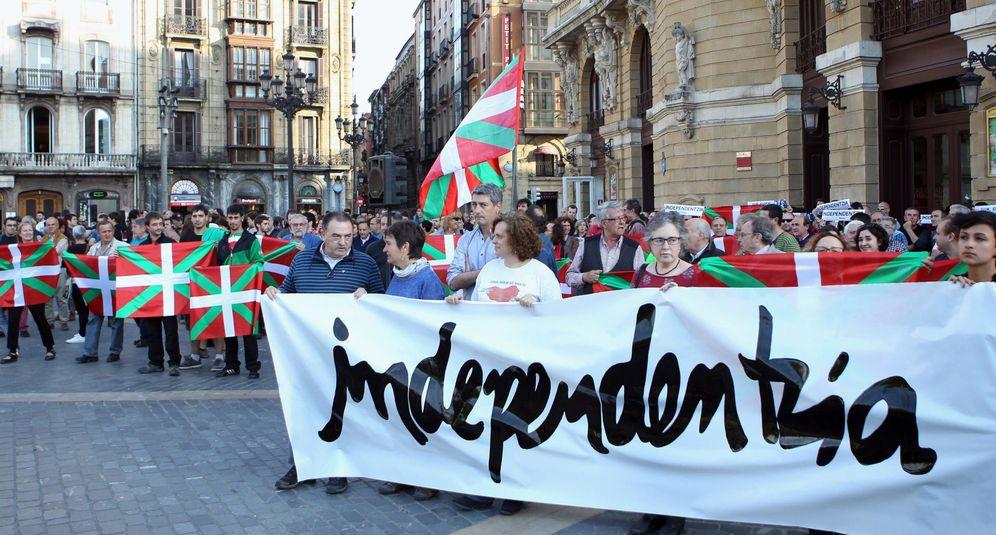 Foto: Concentración en Bilbao a favor de la independencia. (EFE)