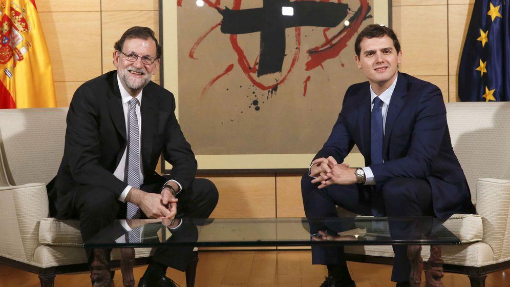 Foto: Los líderes de Ciudadanos y el Partido Popular, Albert Rivera y Mariano Rajoy. (Reuters)
