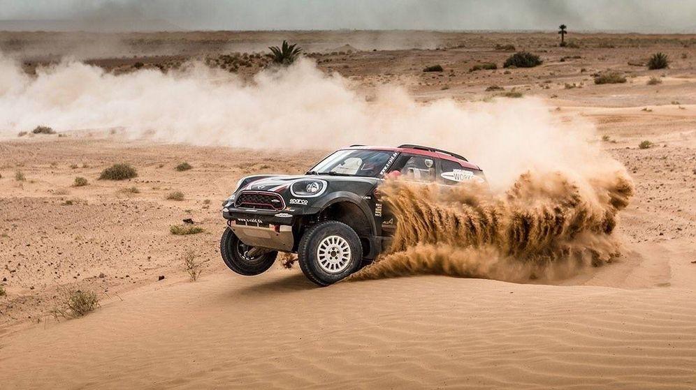 Foto: Tras competir el año pasado con, Nani Roma correrá de nuevo el Dakar con Mini. (Foto: Mini)
