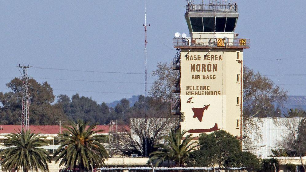 Estados unidos eeuu kerry firma en espa a el pacto que convierte a mor n en base permanente - Fotos de moron de la frontera ...
