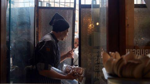 El cocinero que hizo de su bar un comedor solidario