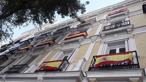 Convocatoria a las 22h en los balcones de toda España para homenajear a los sanitarios
