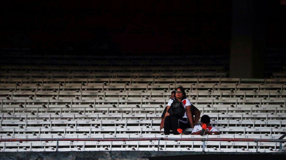 Foto: Imagen de la grada del Monumental tras la suspensión del River Plate-Boca Juniors. (EFE)