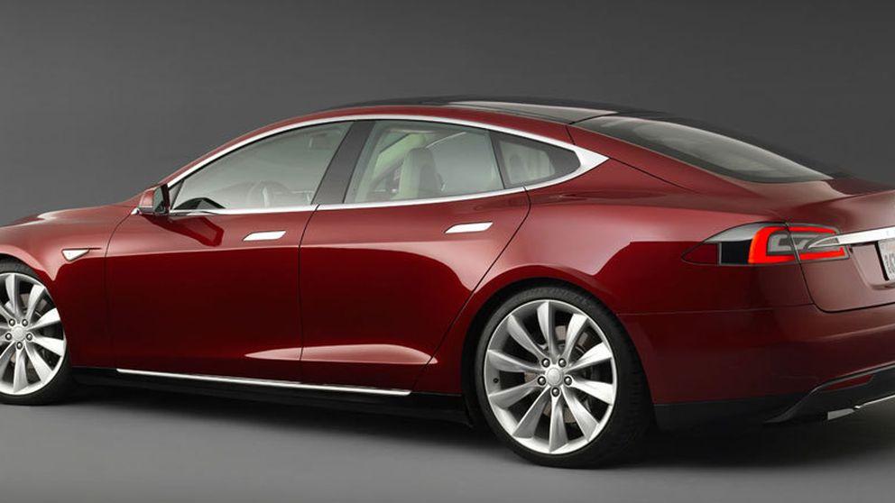 El nuevo Tesla cambia solo de carril y acude si le llamas