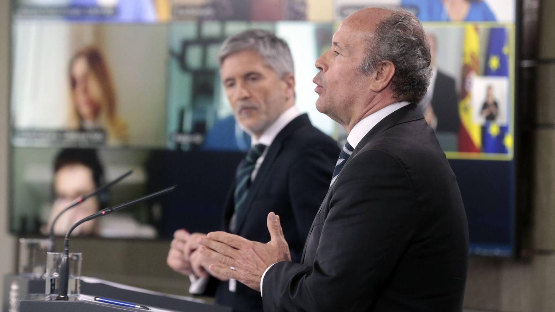 El ministro del Interior, Fernando Grande-Marlaska, y el ministro de Justicia, Juan Carlos Campo. (EFE)