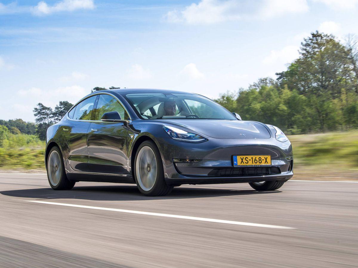 Foto: El Tesla Model 3 con batería Long Range homologa ahora 614 kilómetros, pero en el test realizado en Noruega alcanzó los 654,9.