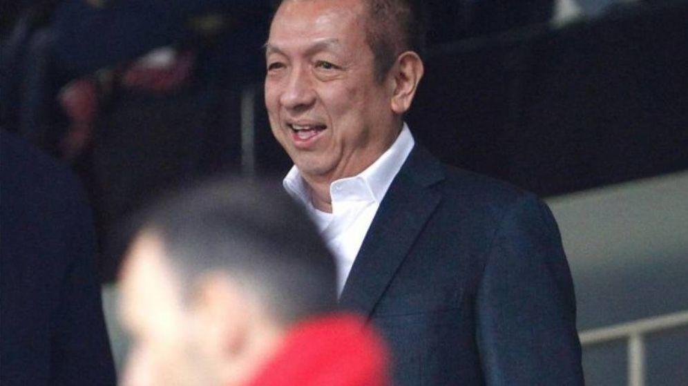 Foto: Peter Lim, en una de las pocas ocasiones en que ha acudido al palco de Mestalla para ver al Valencia.