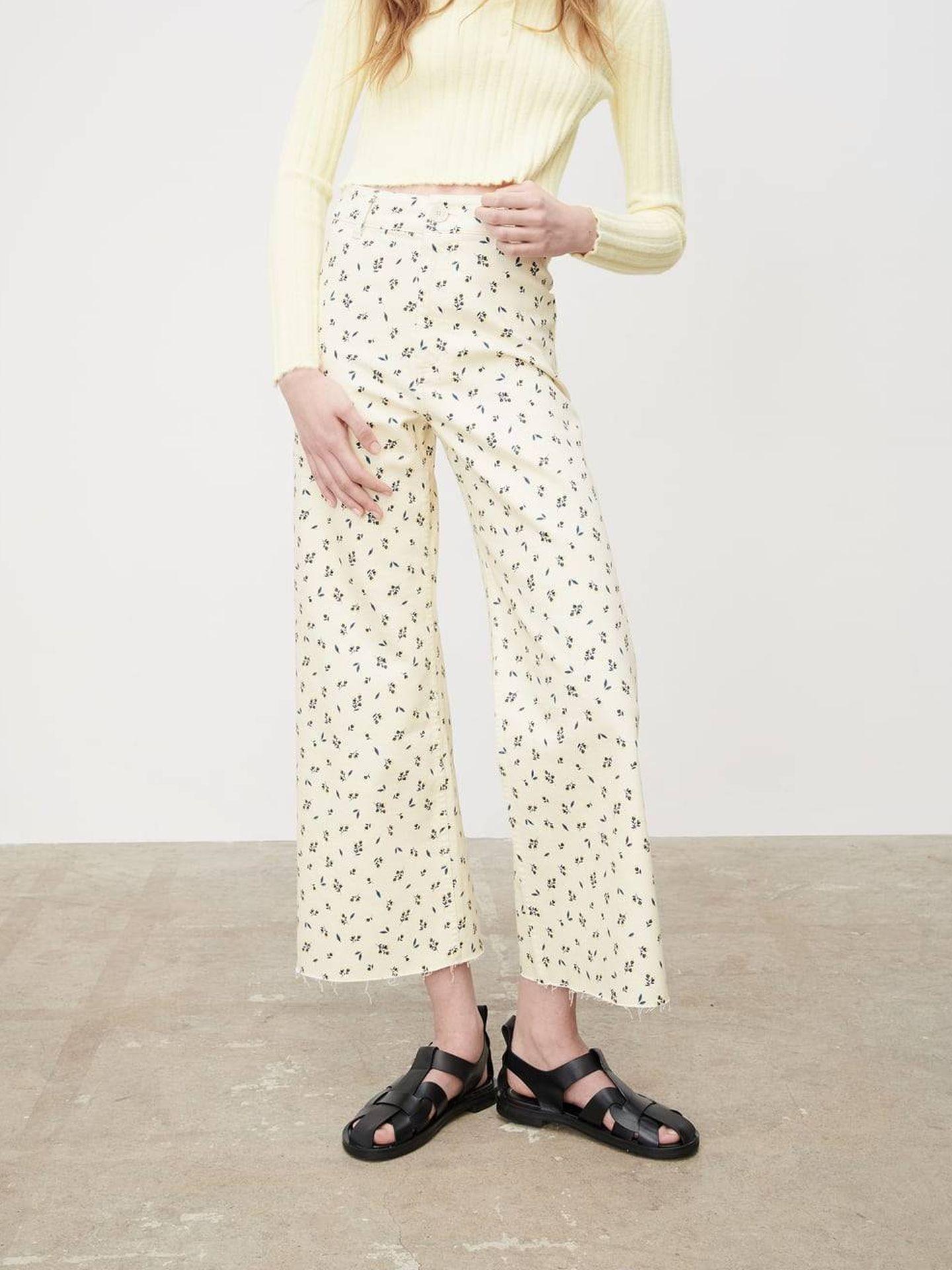 Pantalón de flores de Zara. (Cortesía)