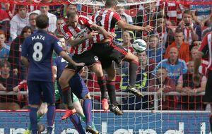 Ni un gol de Mata salva a un United que se hunde al no pasar del empate