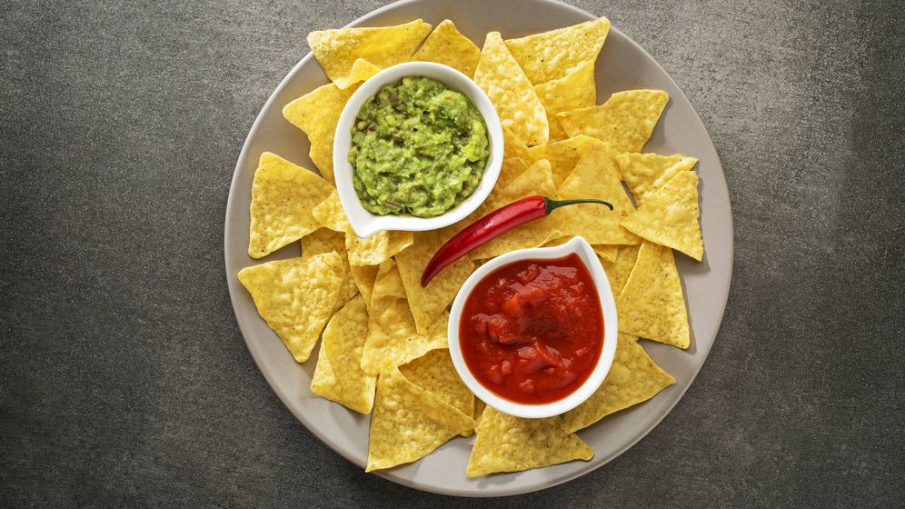 Foto: Snacks y salsas.