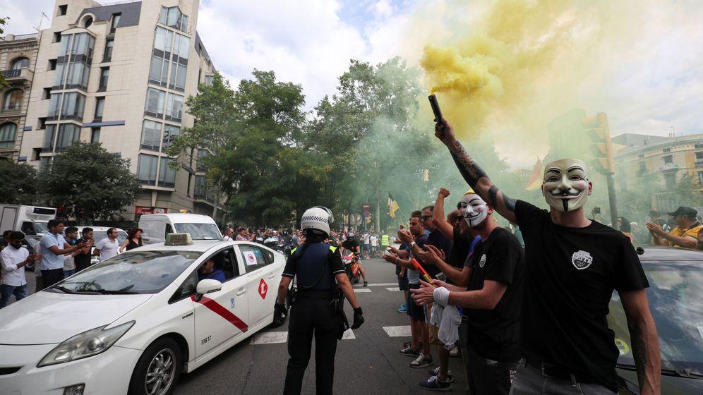 Foto: Taxistas se manifiestan en Barcelona el pasado julio. (Reuters)