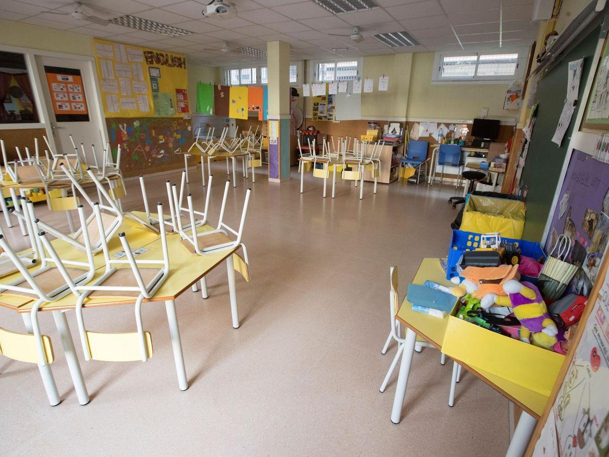 Foto: Un centro educativo cerrado por el coronavirus. (EFE)