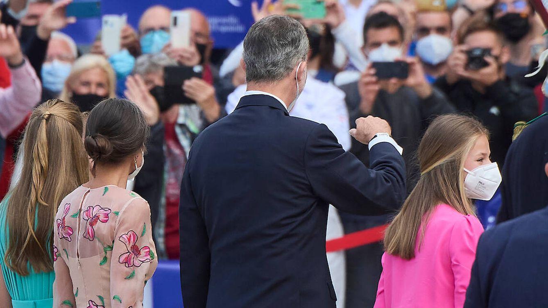 Álbum: todas las imágenes de Felipe VI, Letizia y sus hijas en Santiago de Compostela