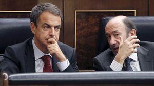 Foto: Zapatero se estrella con la 'ley Sinde' y despide el año con otra derrotapolítica