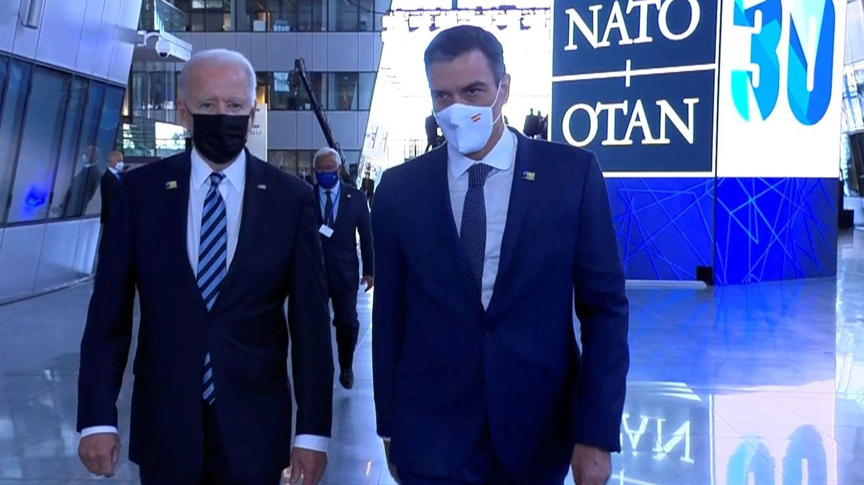 Foto: El presidente del Gobierno, Pedro Sánchez (d), junto al mandatario de Estados Unidos, Joe Biden. (EFE)
