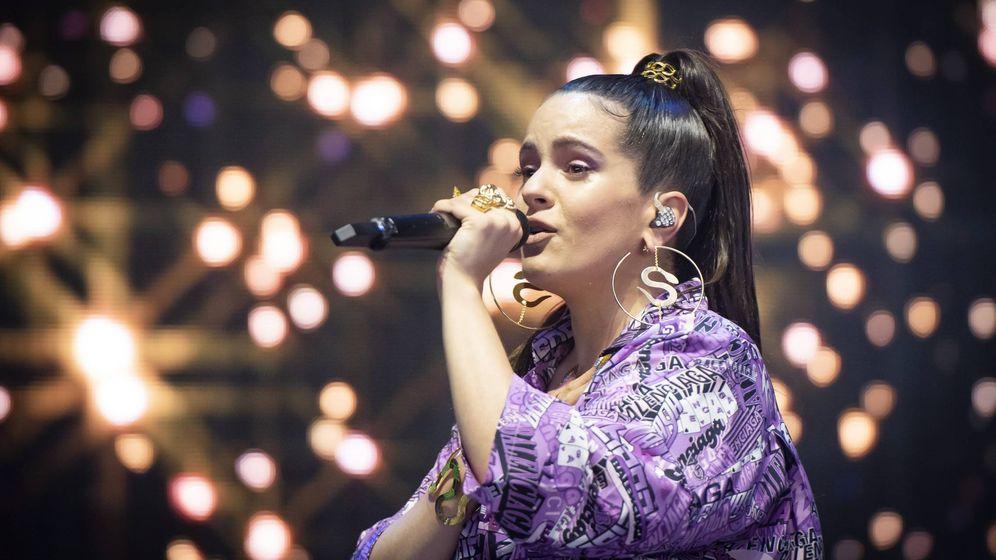 Foto: Rosalía, en uno de sus conciertos (Cordon Press)