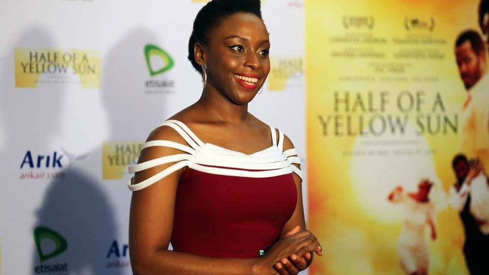 Foto: La novelista nigeriana Chimamanda Ngozi Adichie