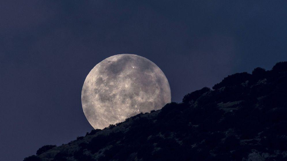 Foto: Luna llena en Menorca (EFE)