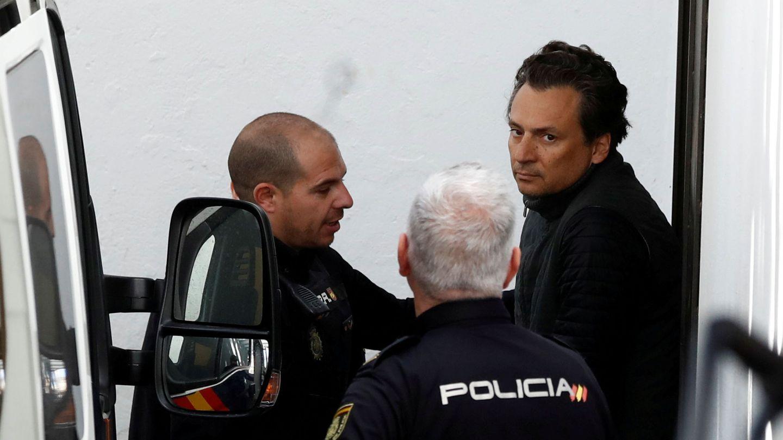 Lozoya, escoltado por la Policía Nacional en una imagen de archivo tras su detención en España. (Reuters)