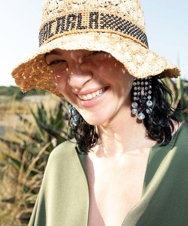 Foto: No escondas tu cabello en verano. (Imaxtree)