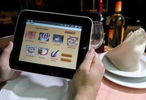 El menú en papel tiene los días contados: llega la carta virtual